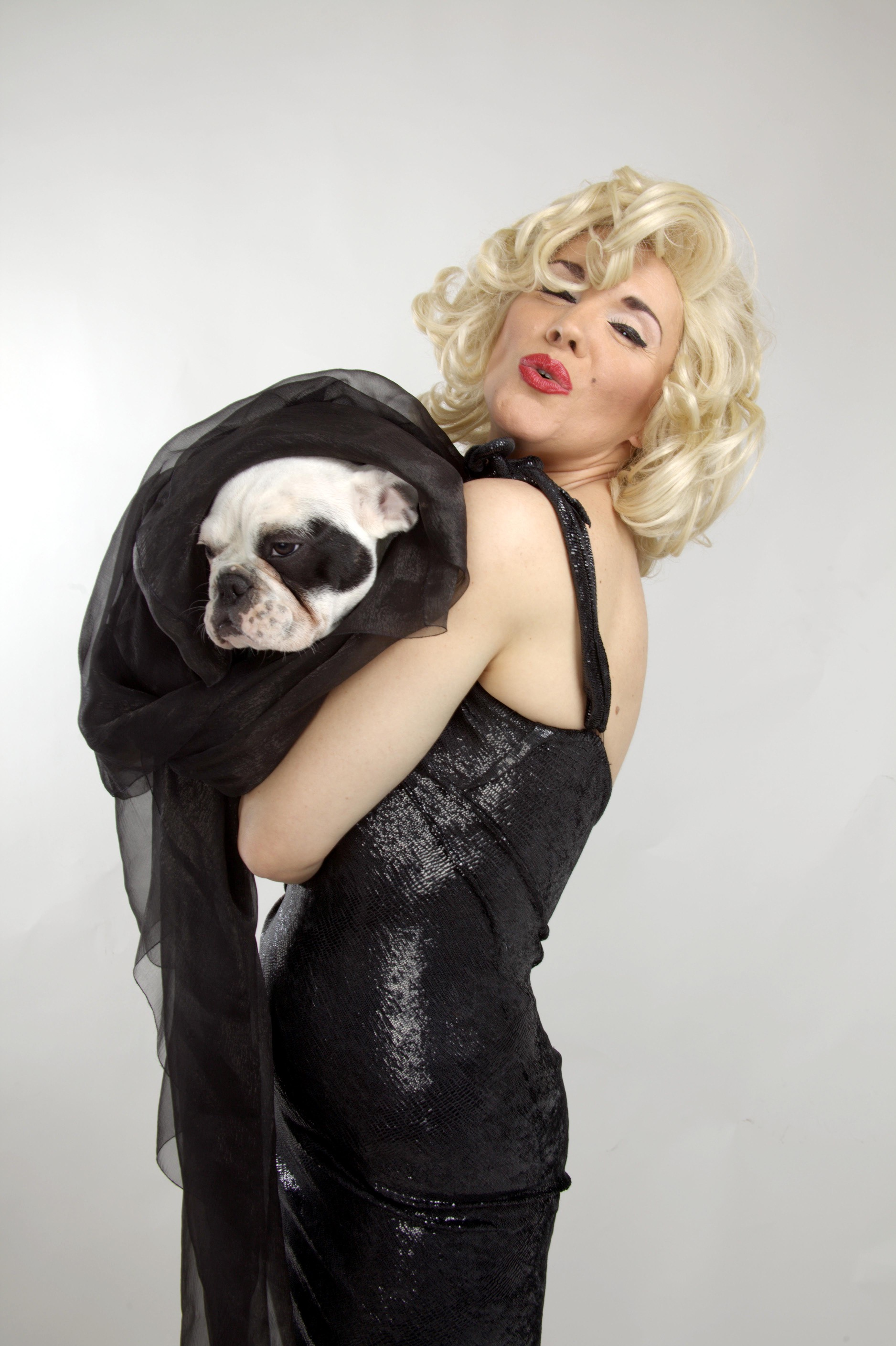 Marylin  y bulldog