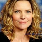 Michelle Pfeiffer, media melena ondulada